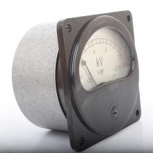 Вольтметр Э8021 кл.2,5 шкала 7500В фото 1